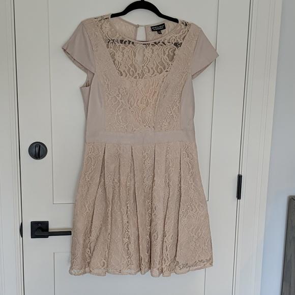 Warehouse Dresses & Skirts - Warehouse cream lace panel dress